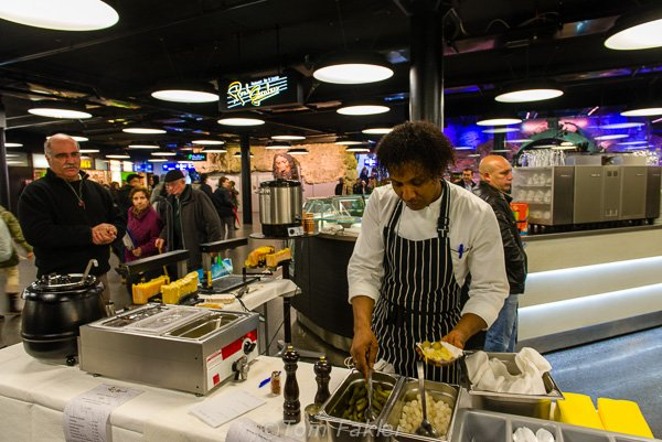 Peparing raclette, Bern main station
