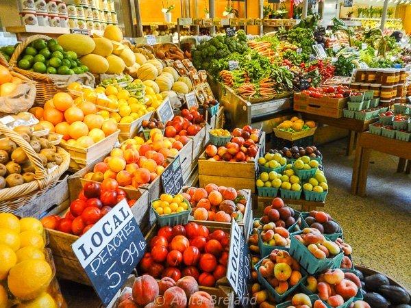 Fresh market at Grand Central Station, New York