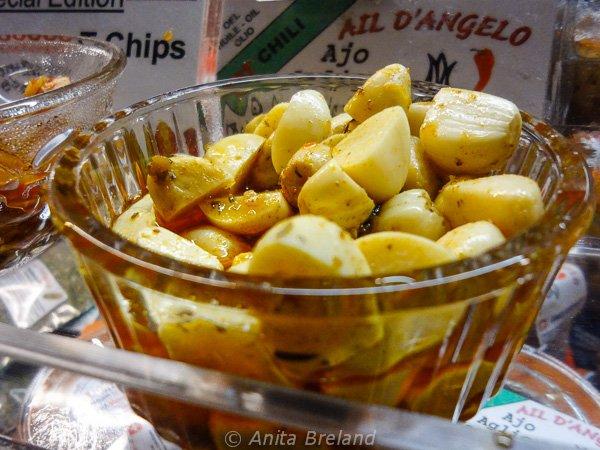 Garlic with harissa at the Onion Market, Bern
